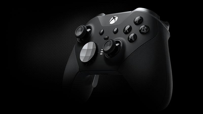 Vista frontale angolare del controller Xbox Elite.