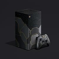 Vista angolare sinistra della console Xbox SeriesX Halo Infinite e la miniatura del controller